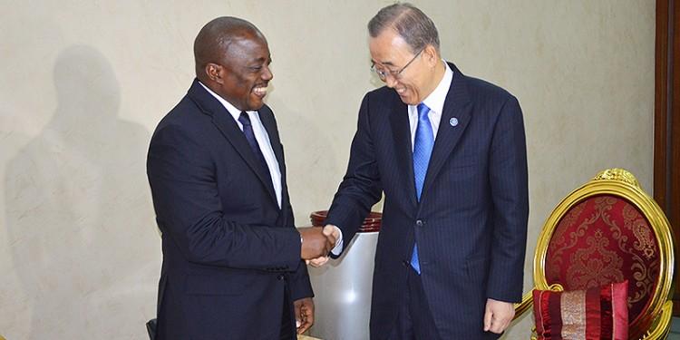 Ban Ki Moon et Joseph Kabila s'entretiennent le 24 février à Kinshasa (Photo: Présidence de la RDC)