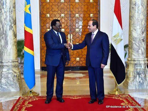 Les Présidents congolais Joseph Kabila et égyptien Abdel Fatah Al-Sissi  le 22 avril 2017 au Caire en Egypte. ©Présidence de la République.